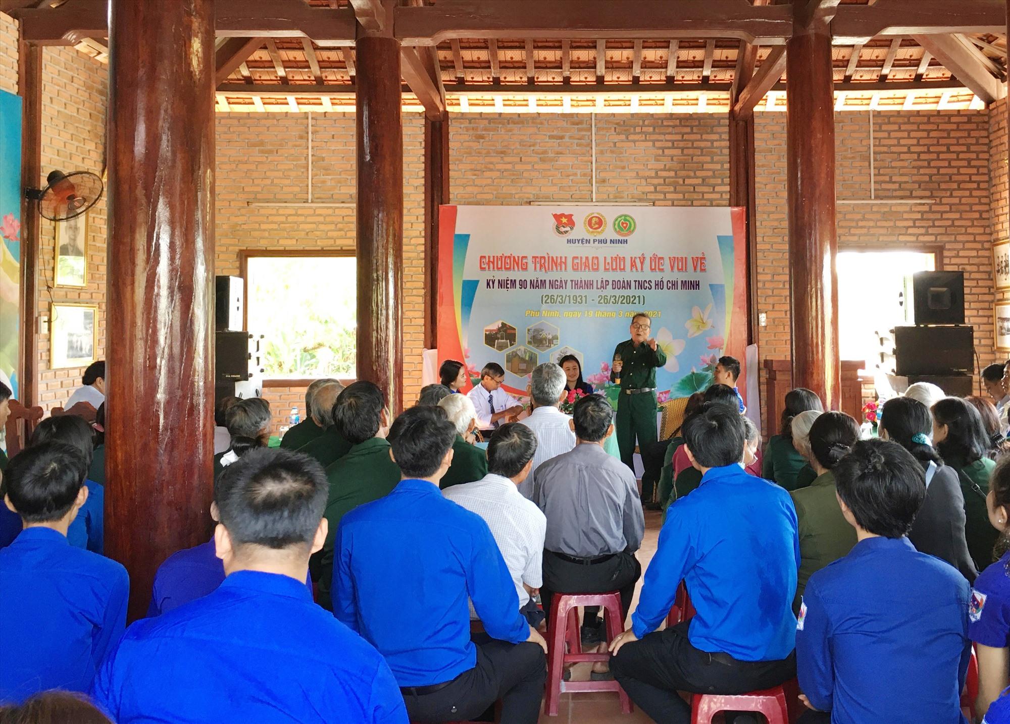 Giao lưu tọa đàm giữa các cựu chiến binh Phú Ninh với sinh viên Lào