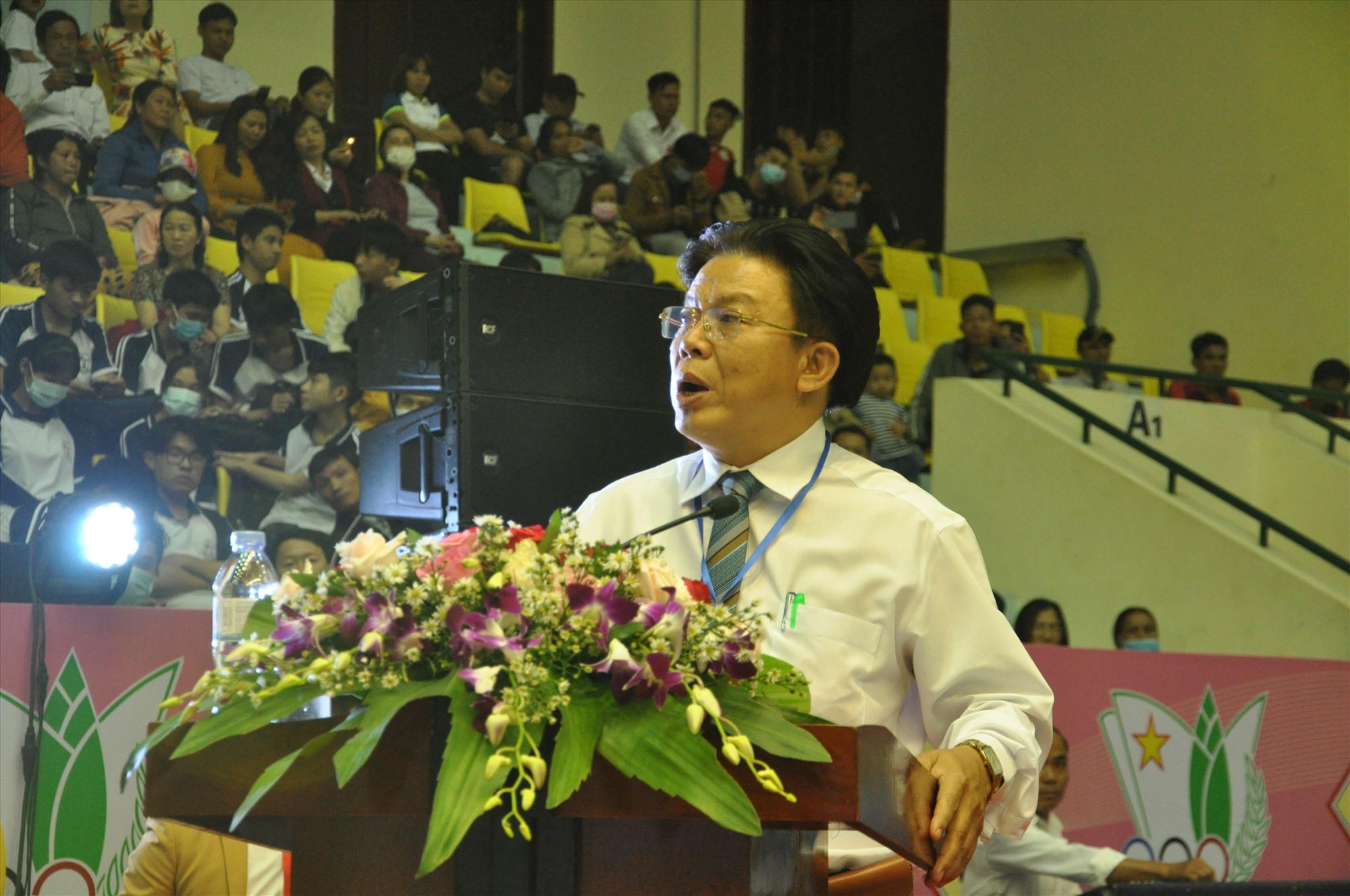 Giám đốc Sở GD-ĐT Hà Thanh Quốc khai mạc HKPĐ tỉnh. Ảnh: X.P