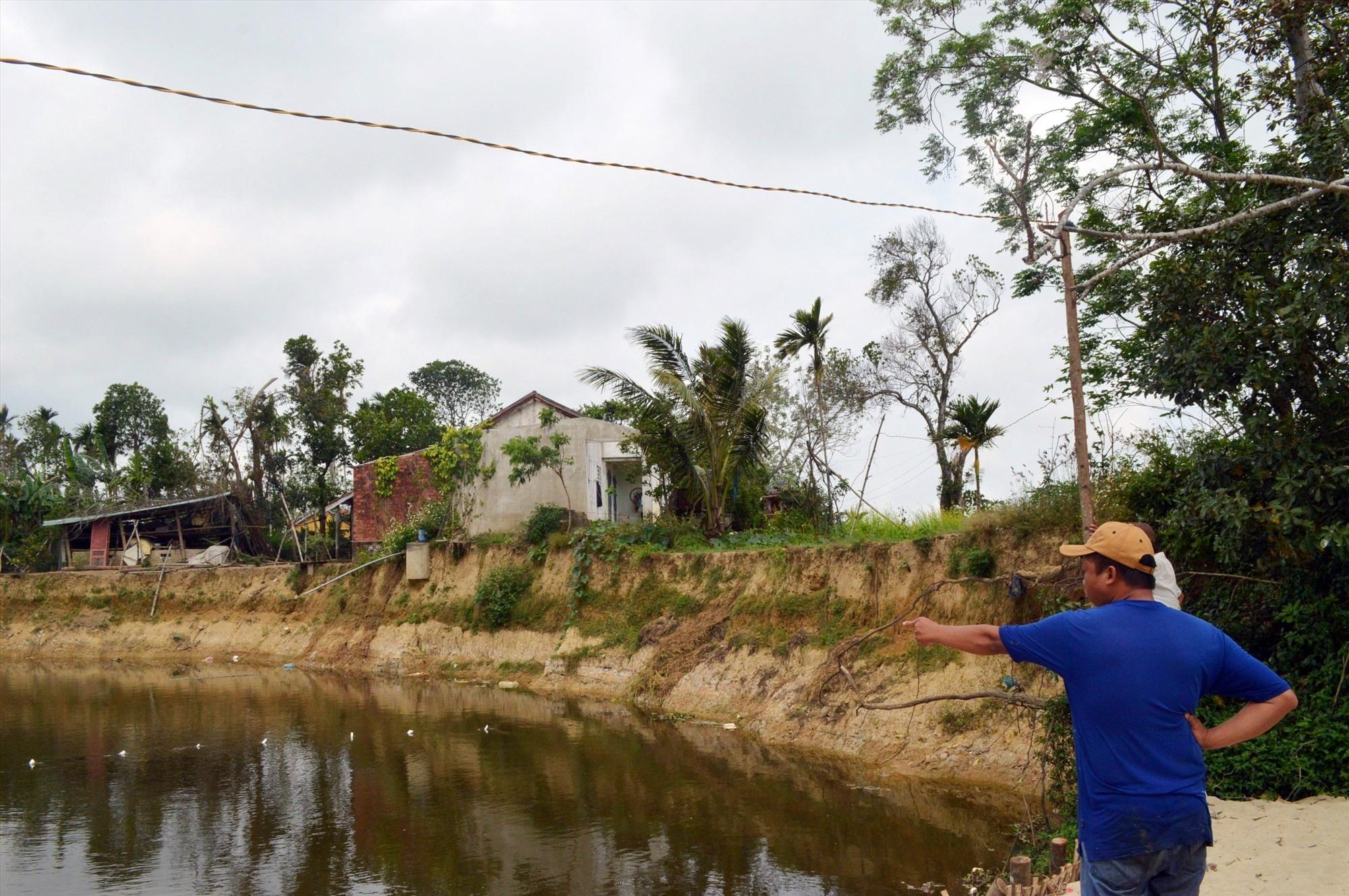 Nhiều điểm sạt lở ở Điện Bàn uy hiếp nhà dân