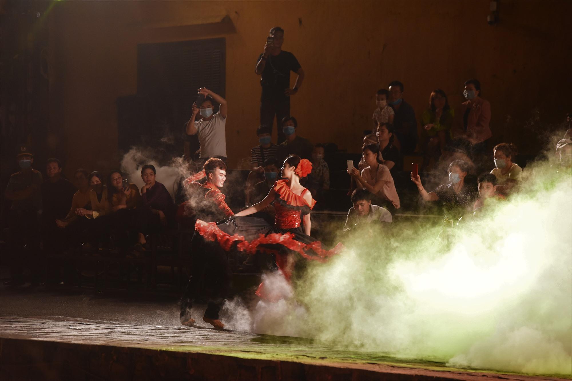 Vũ khúc Tây Ban Nha tại show diễn