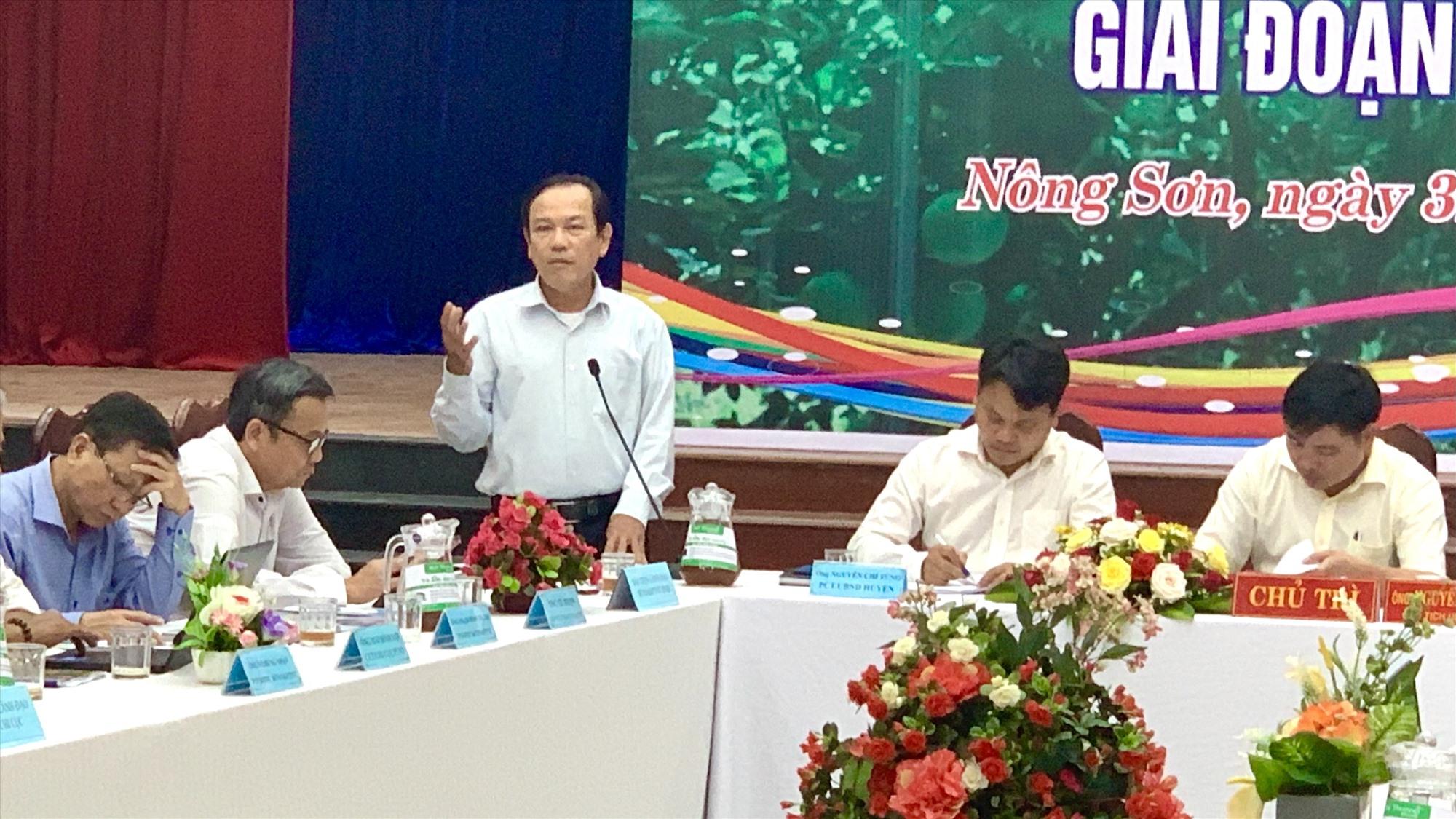Đồng chí Ngô Tấn – Phó Giám đốc Sở NN&PTNT Quảng Nam phát biểu tại hộ thảo. Ảnh MINH THÔNG