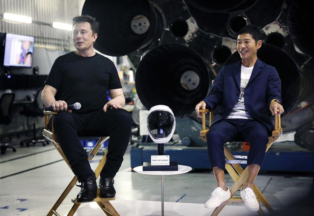 Tỷ phú Yusaku Maezawa trở nên nổi tiếng khi Elon Musk giới thiệu ông là khách hàng tư nhân đầu tiên trả tiền để du ngoạn quanh mặt trăng. Ảnh: The Star