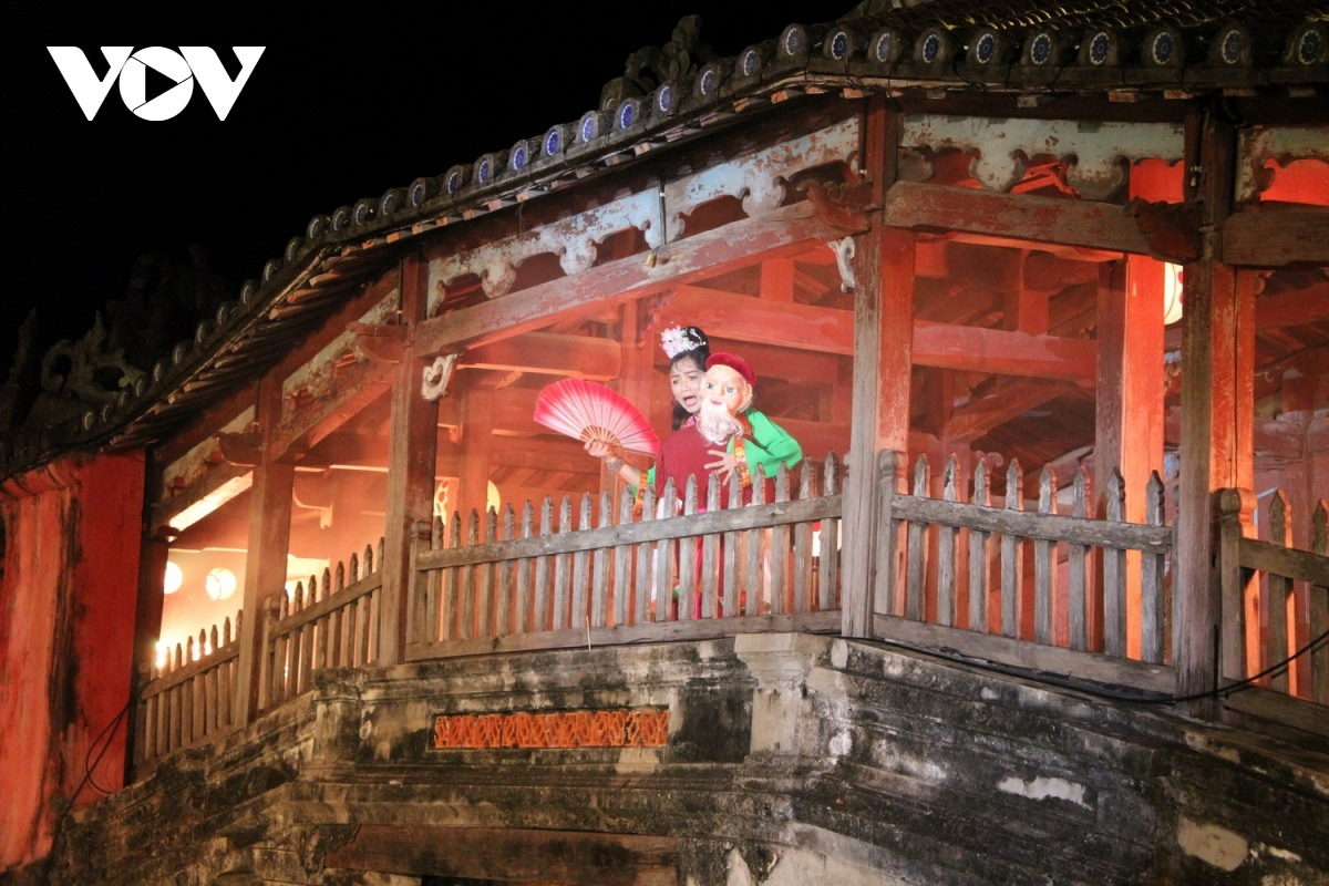 A scene in the legend of Japanese Bridge. Photo: VOV