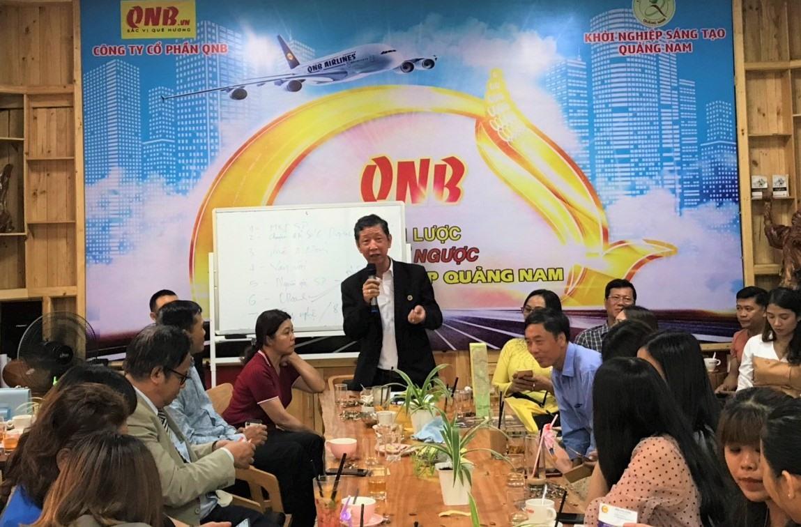 Ông Trần Vũ Lê - Chủ tịch Hội Doanh nhân Quảng Nam phía Nam thông tin, chia sẻ về các hoạt động hỗ trợ khởi nghiệp. Ảnh: VINH ANH
