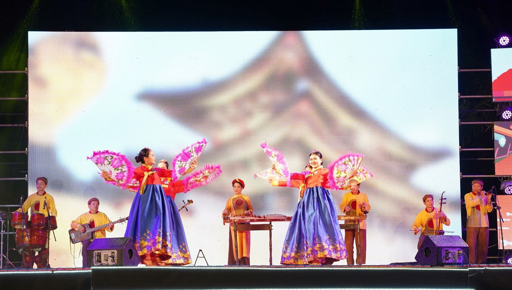 A performance at the ceromony opening of Korean Cultural Days 2021 in Hoi An city, Quang Nam province