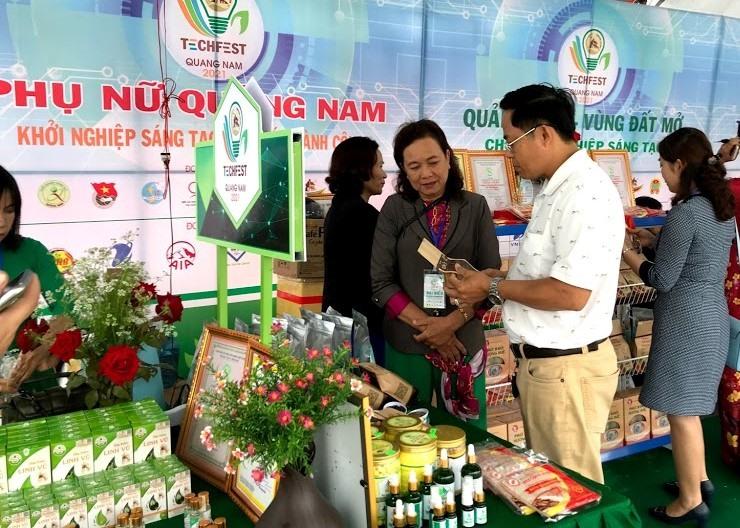 Gian hàng của phụ nữ Quảng Nam tại Ngày hội  Khởi nghiệp đổi mới sáng tạo Quảng Nam  - Techfesh Quang Nam 2021.