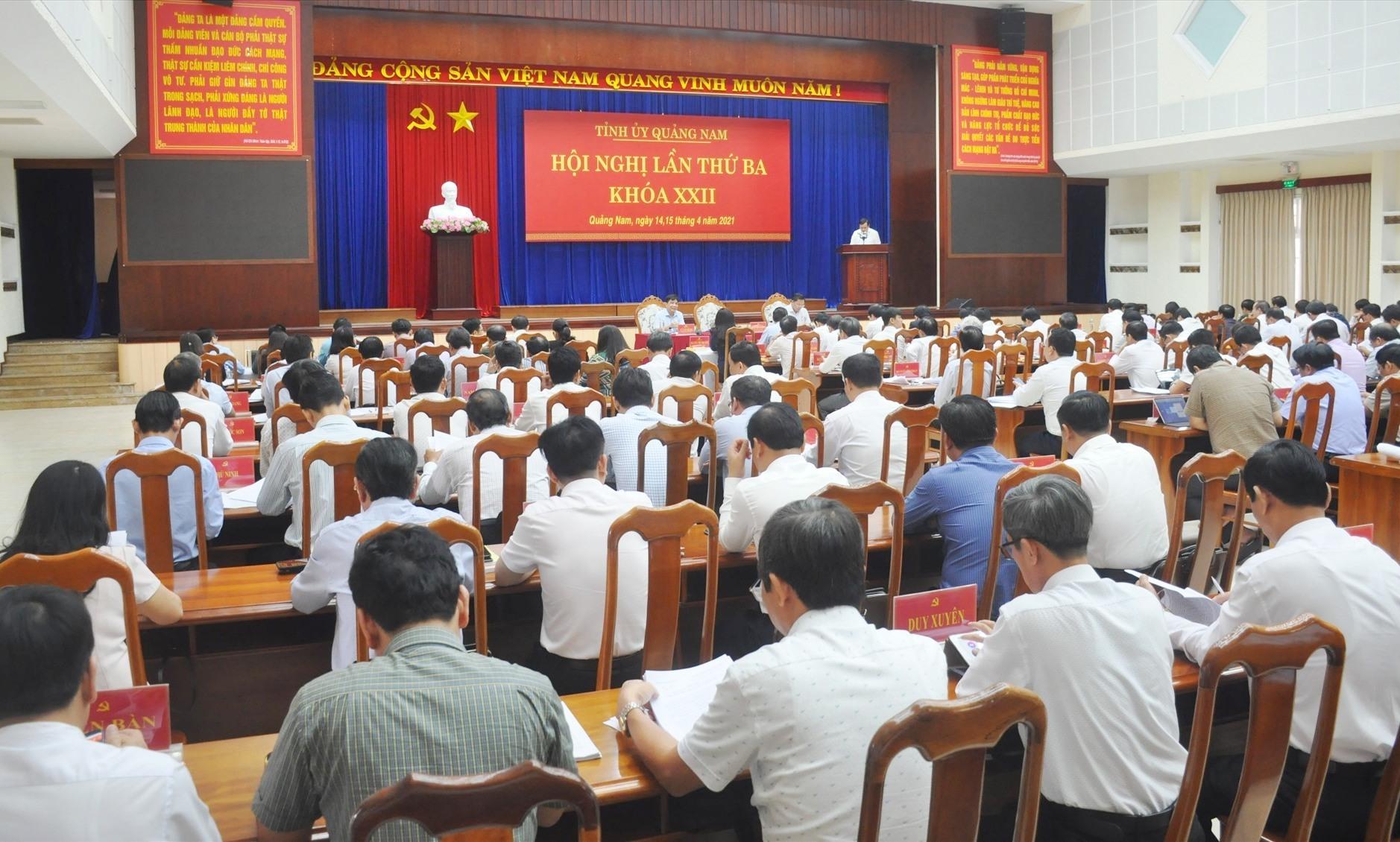 Quang cảnh Hội nghị Tỉnh ủy lần thứ 3 (khóa XXII) khai mạc sáng nay 14.4. Ảnh: N.Đ
