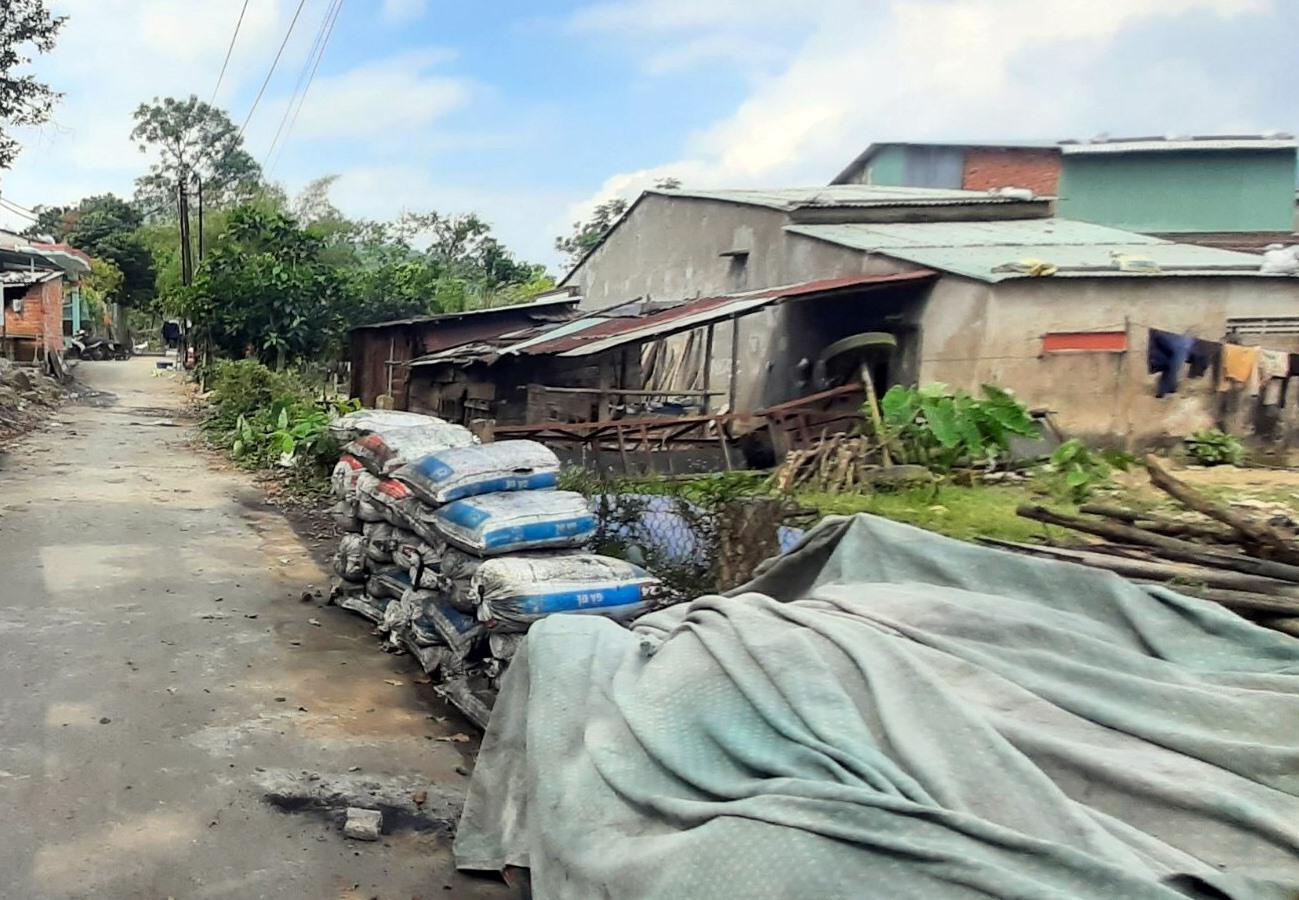 Ngành liên quan và chính quyền các địa phương ở Nông Sơn đang tập trung xử lý mạnh tay đối với những điểm tập kết than trái phép. Ảnh: CTV