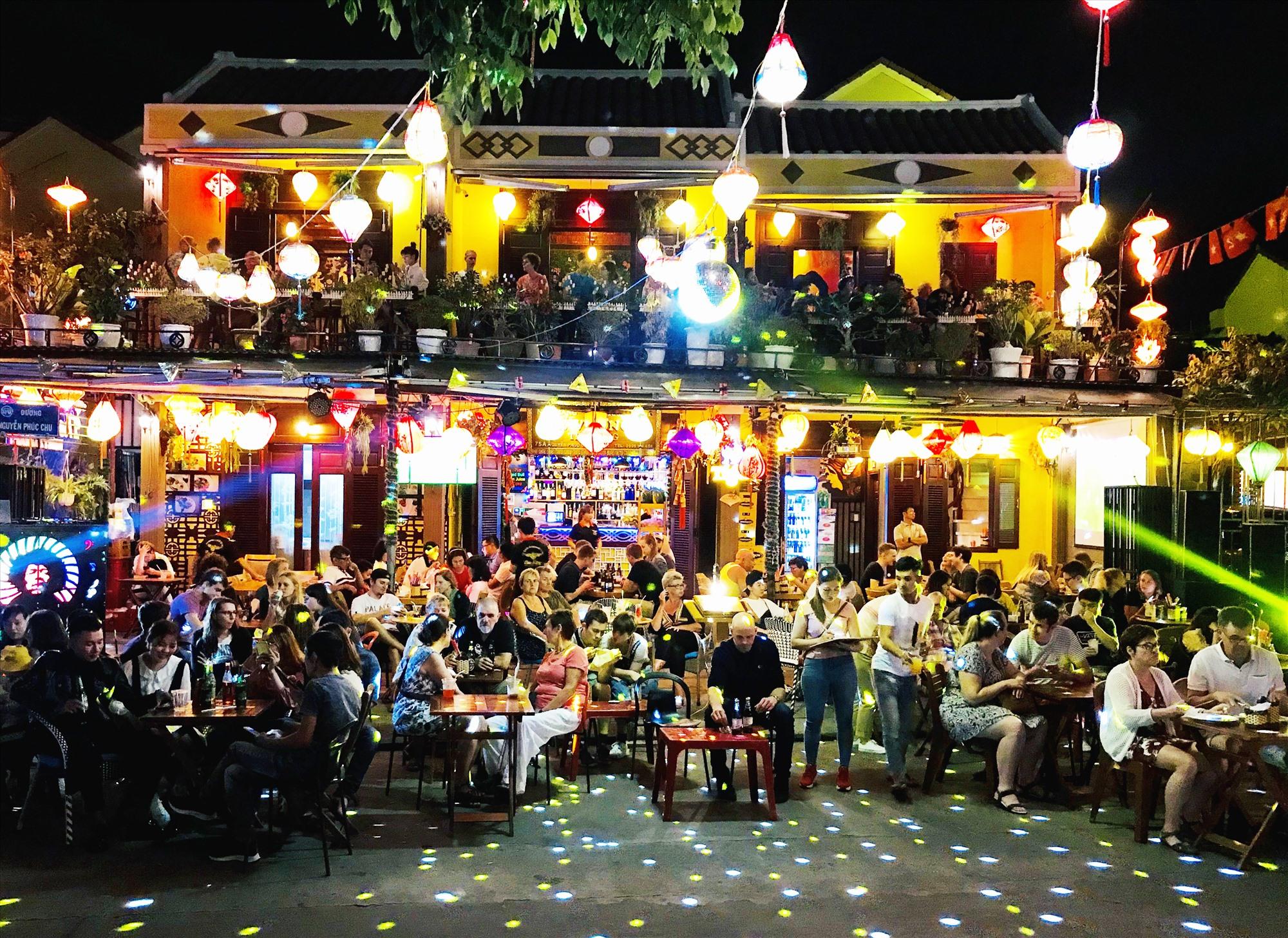 Thúc đẩy kinh tế đêm tại các địa điểm phù hợp sẽ giúp ngành du lịch tạo ra giá trị gia tăng lớn. Ảnh: Q.T
