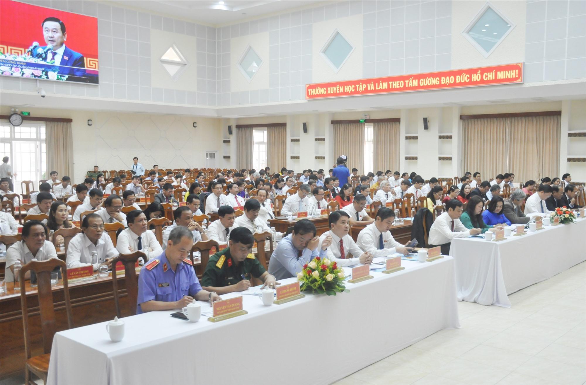 Các đại biểu dự Kỳ họp thứ 24 của HĐND tỉnh. Ảnh: N.Đ