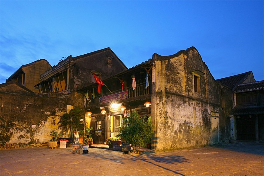In late afternoon, the ancient mossy houses in Hoi An make visitors feel more nostalgic. Photo: doanhnghiepvn.vn