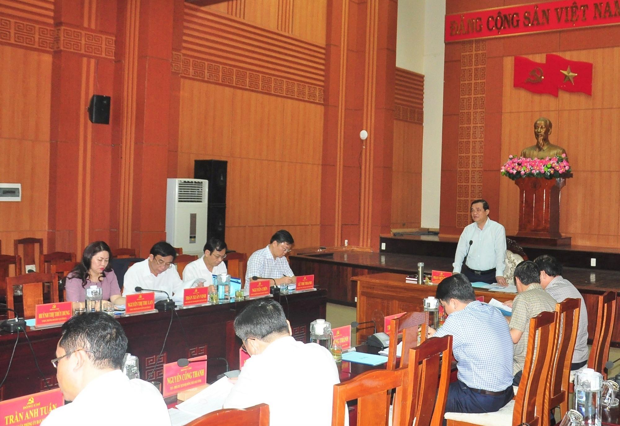 Bí thư Tỉnh ủy, Chủ tịch HĐND tỉnh Phan Việt Cường phát biểu tại phiên họp lần thứ 4 Ủy ban Bầu cử tỉnh. Ảnh: A.Đ