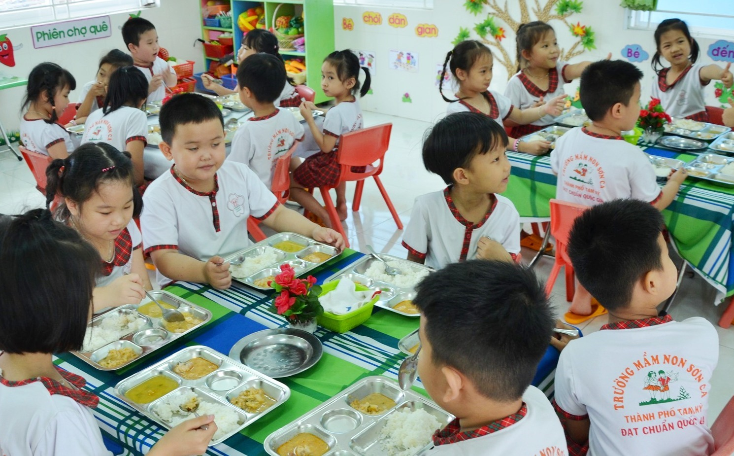 Sáu huyện miền núi của tỉnh được thực hiện mô hình điểm nghiên cứu cấp quốc gia về sức khỏe học đường. Ảnh: H.Phúc