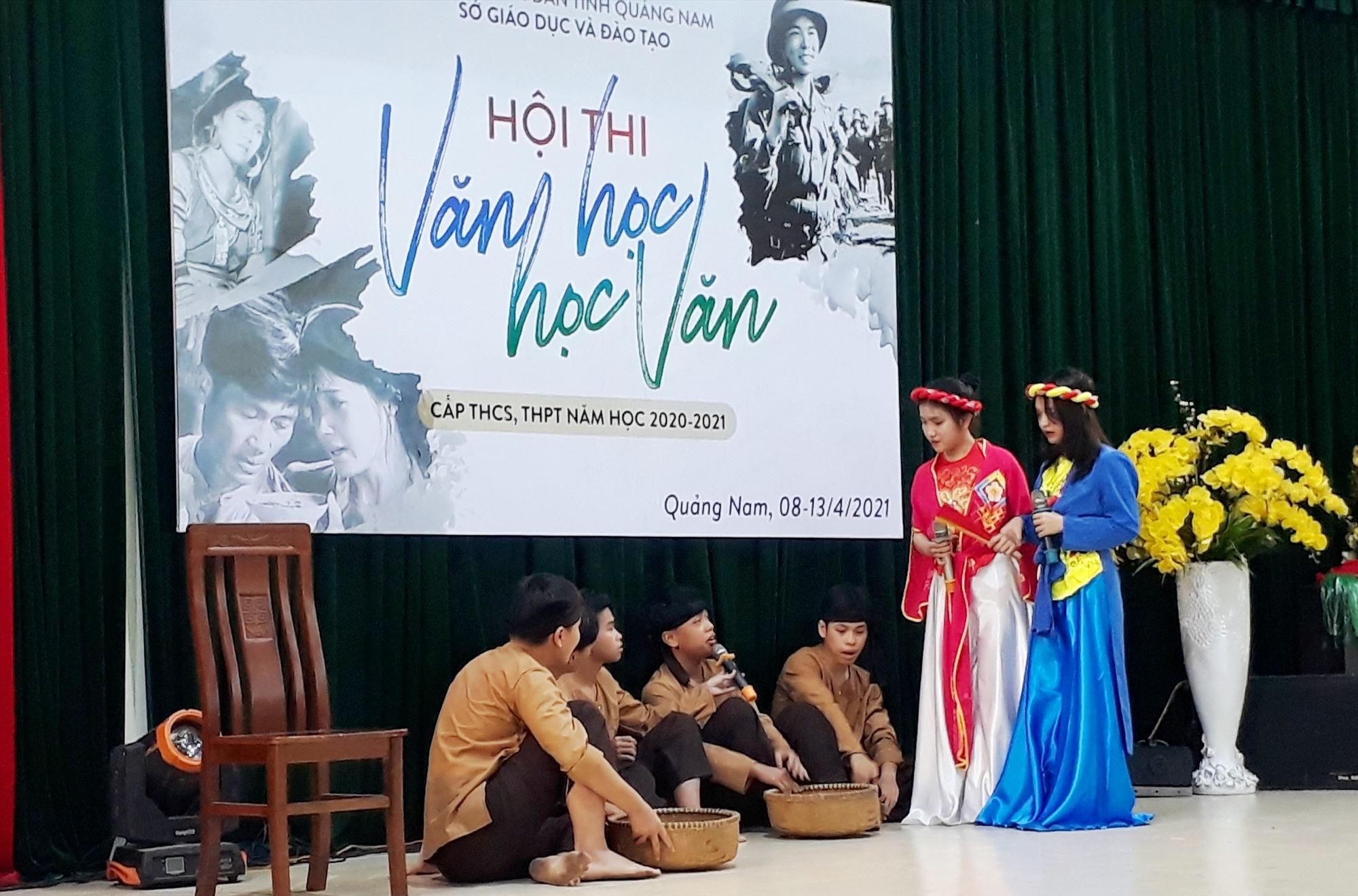 Tiểu phẩm dự thi của Trường THPT Phan Bội Châu (Tam Kỳ). Ảnh: X.P
