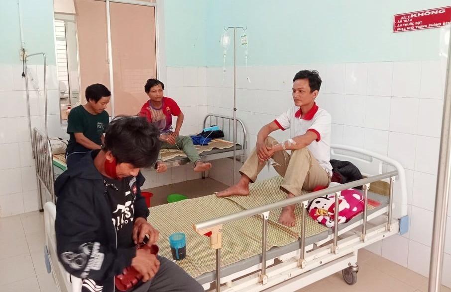 Nhờ được cấp cứu kịp thời, sức khỏe các nạn nhân đã ổn định. Ảnh: CTV
