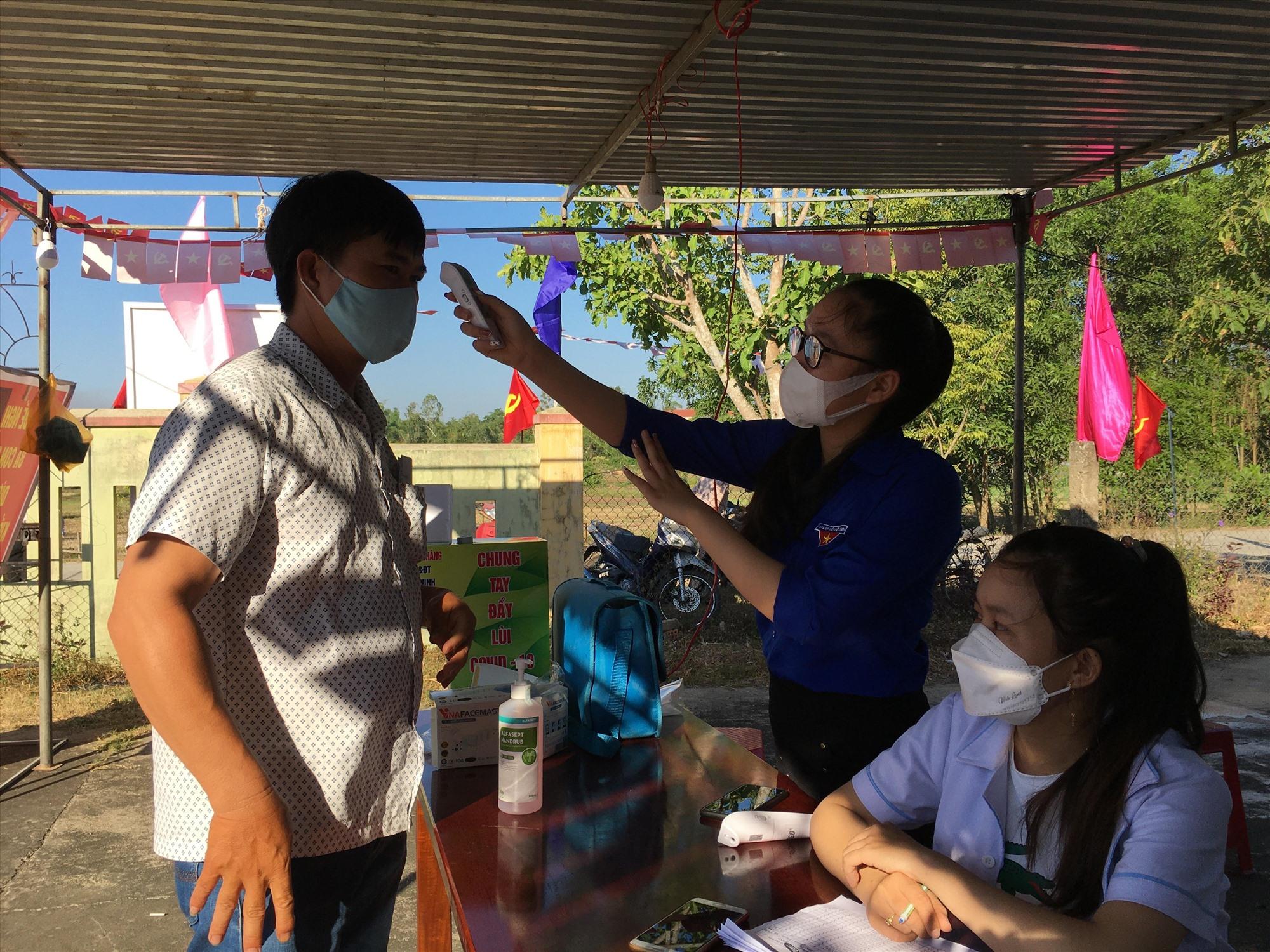 Công tác phòng chống dịch Covid-19 được thực hiện nghiêm, cử tri Phú Ninh yên tâm đi bỏ phiếu bầu cử.