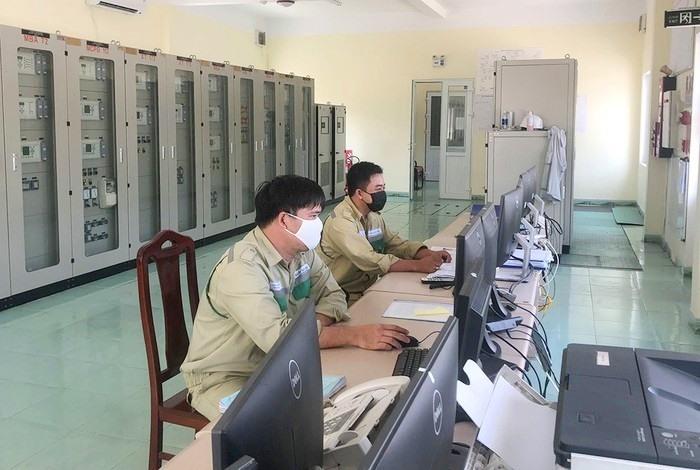 Truyền tải điện Quảng Nam vừa phòng chống dịch bệnh Covid-19, vừa vận hành an toàn lưới điện truyền tải.