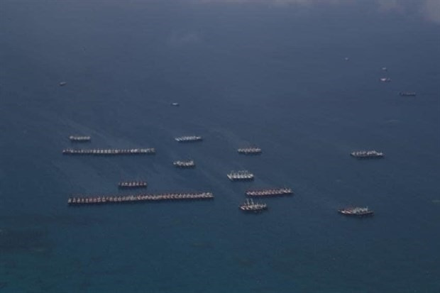 Chinese ships in the East Sea (Photo: VNA)