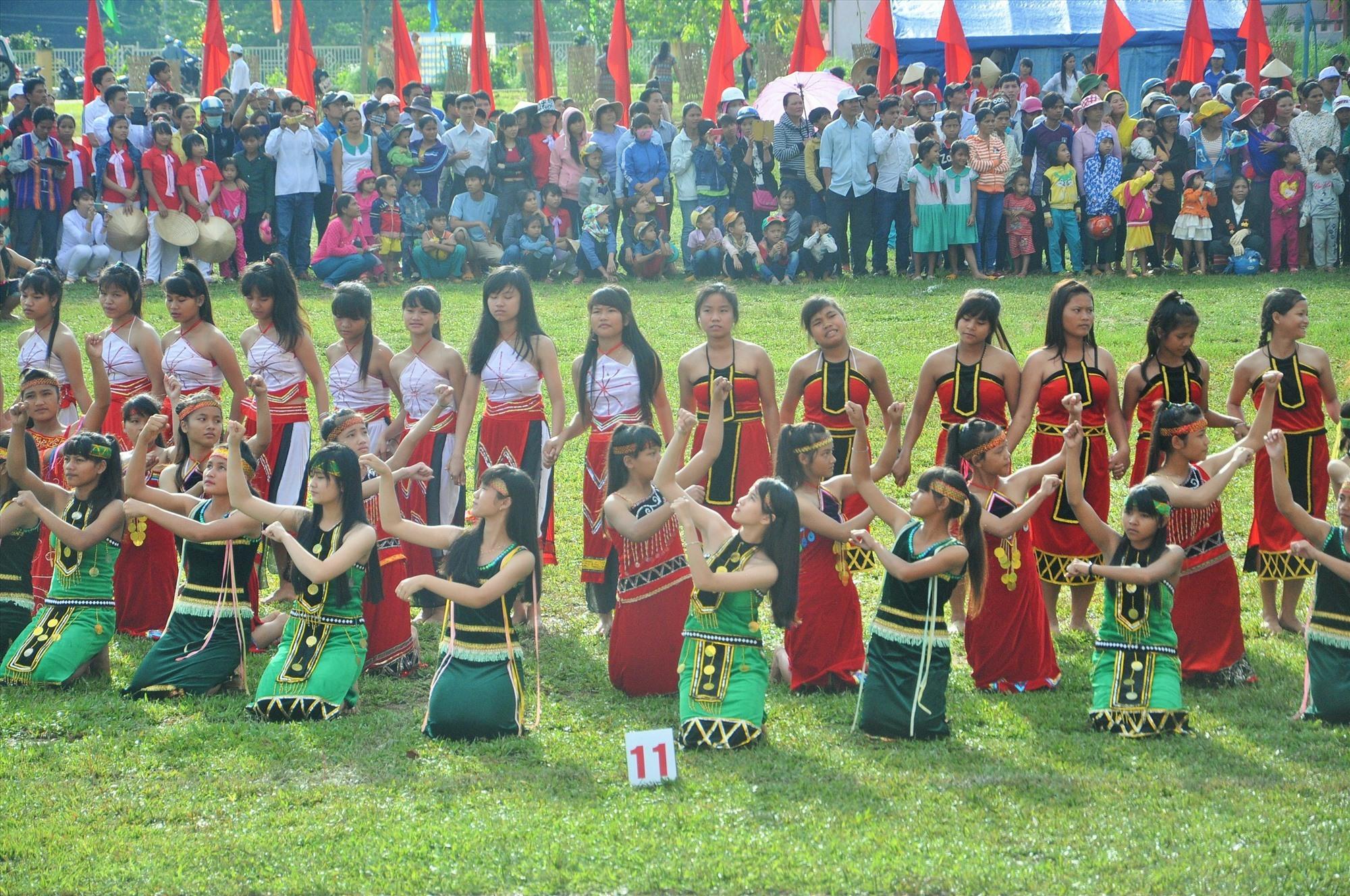 Hội thi thể thao cac dân tộc thiểu số lần đầu tiên tổ chức tại Nam Trà My năm 2016. Ảnh: T.V