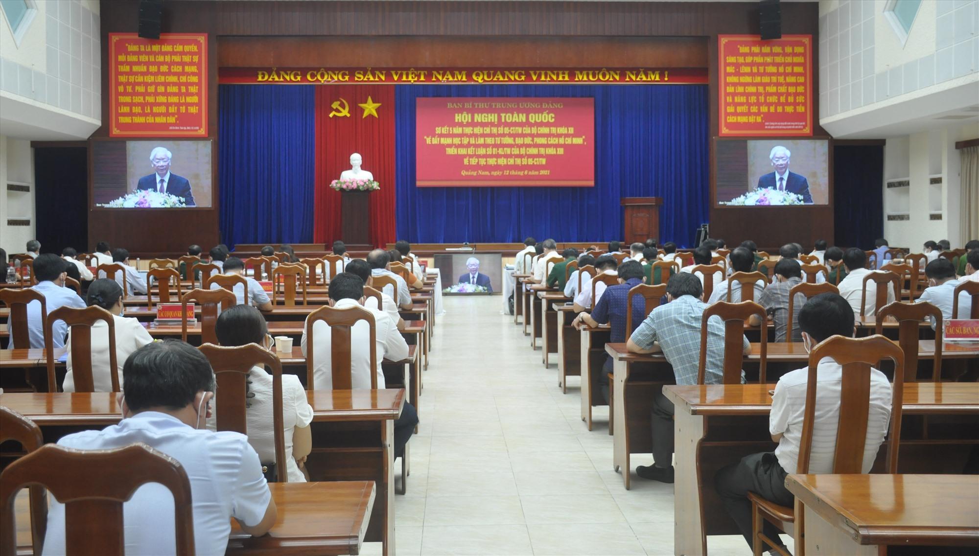 Quang cảnh hội nghị tại điểm cầu Quảng Nam sáng 12.6. Ảnh: N.Đ
