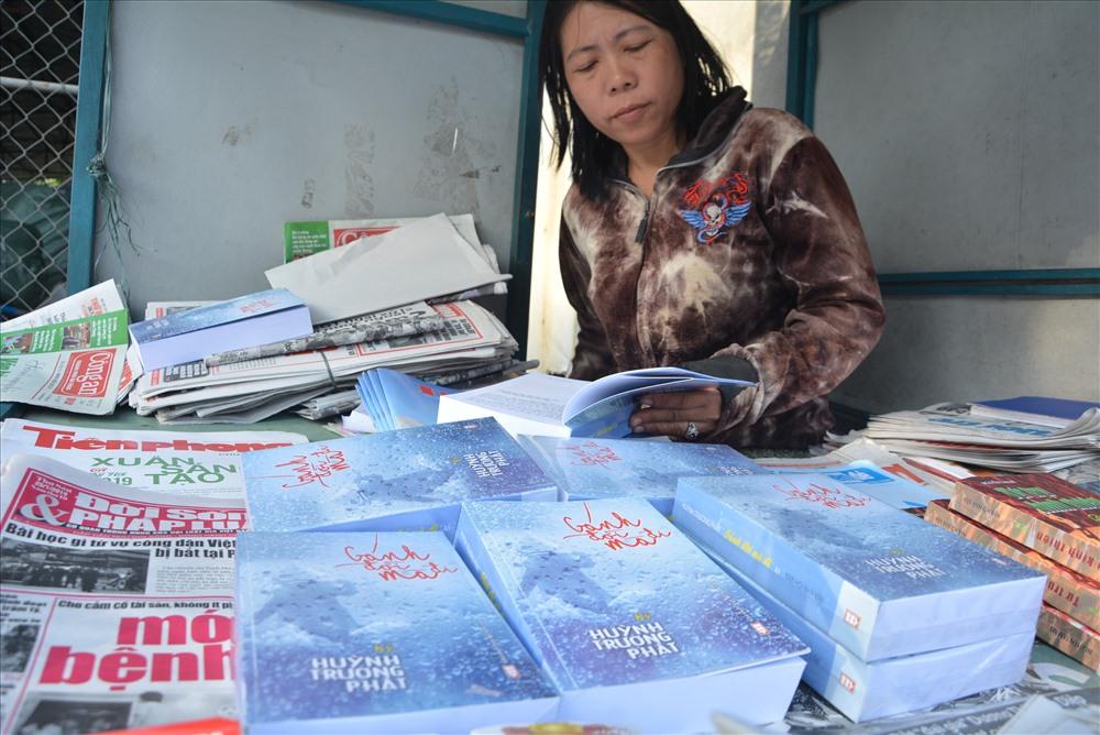 Sách có bán tại 126 Phan Bội Châu, TP.Tam Kỳ