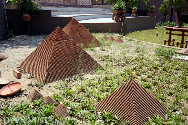 Great Pyramids (Egypt) are made skillfully.