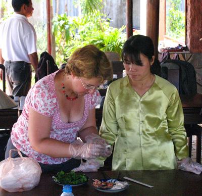 Đào tạo kỹ năng nghề bếp cho thanh niên 3 xã vùng khó khăn của Hội An.