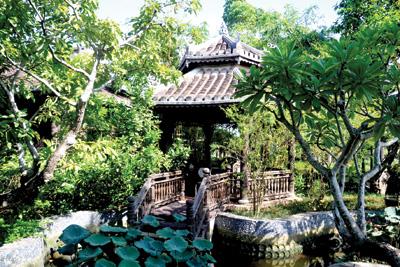 Nhà chờ thuyền Quảng Nam.