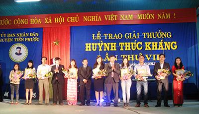 Lễ trao Giải thưởng Huỳnh Thúc Kháng lần thứ VIII năm 2013.