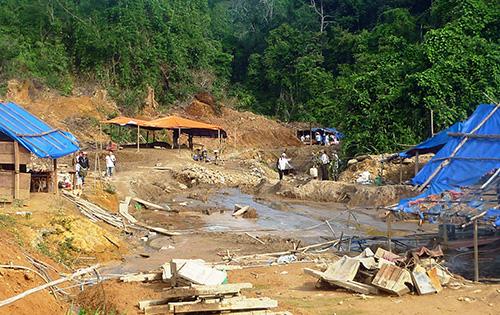 Khu vực khai thác vàng ở Khu Bảo tồn thiên nhiên Sông Thanh.Ảnh: T.HỮU