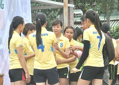 Lần thứ 4, các cô gái Quế Sơn đoạt chức vô địch Giải Bóng chuyền nữ tỉnh.