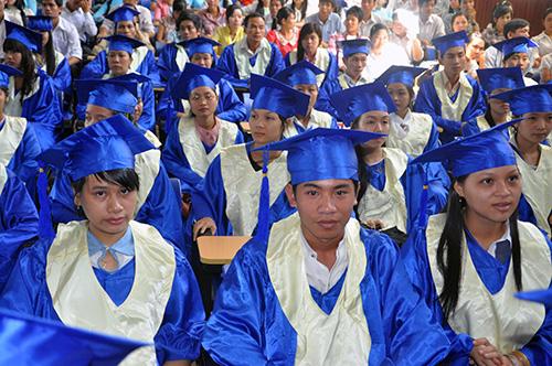 Sinh viên trường Đại học Quảng Nam trong ngày lễ tốt nghiệp. Ảnh: X.P