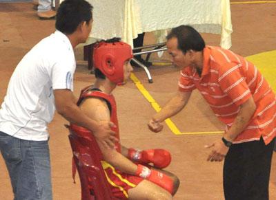 Thực hiện theo Quyết định 2309, HLV và VĐV dự giải Wushu vô địch toàn quốc tại Quảng Ngãi diễn ra cả ngày chủ nhật thì… không được hưởng chế độ.Ảnh: T.X.P