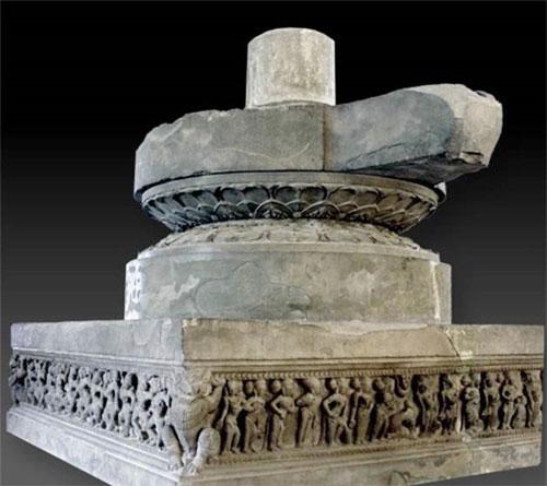 Pedestal.