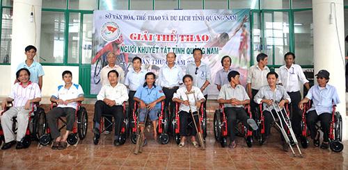 Các vận động viên tại giải thể thao người khuyết tật tỉnh năm 2013.Ảnh: TƯỜNG VY