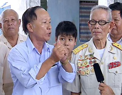 Các nhân chứng (ảnh trái) và hiện trạng nhà lao Xóm Mới.