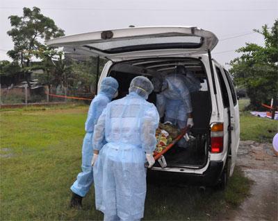 Diễn tập phòng chống dịch cúm A xảy ra ở người.    Ảnh: Tâm An