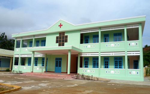 Phòng khám Đa khoa khu vực Trà Giáp góp phần khám chữa bệnh cho bà con 3 xã Trà Giáp, Trà Giác, Trà Ka. Ảnh: H.Y