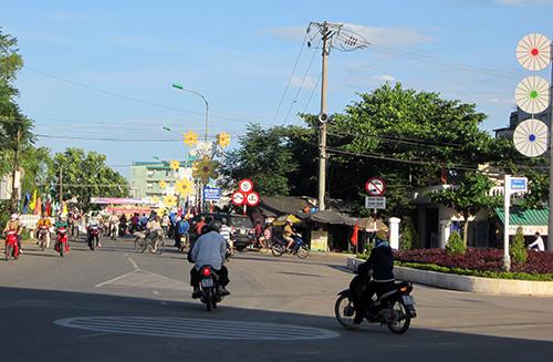 Năm 2012, thị trấn Vĩnh Điện đã thi công hoàn thành đường Tuệ Tĩnh. Ảnh: C.T