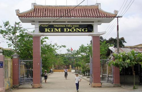 Trường Tiểu học Kim Đồng (thị trấn Hà Lam), ngôi trường đầu tiên của huyện Thăng Bình được công nhận đạt chuẩn quốc gia vào năm 2001.