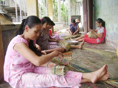 Cộng đồng làng Trà Nhiêu vẫn chưa được hưởng lợi gì nhiều từ du lịch như mục đích ban đầu của dự án Làng du lịch cộng đồng.