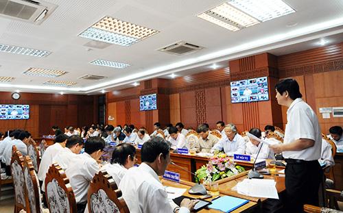 Quang cảnh Hội nghị trực tuyến về cải cách hành chính do Phó Chủ tịch Thường trực UBND tỉnh Nguyễn Ngọc Quang chủ trì hôm qua 15.8. Ảnh: D.H