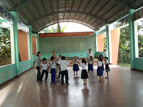 Công trình nhà đa năng vừa được đưa vào phục vụ nhu cầu học và chơi của học sinh trường TH Nguyễn Đức Thiệu. Ảnh: B.L