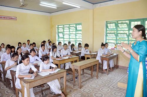 Giờ học ở trường THPT Phan Châu Trinh (Tiên Phước). Ảnh: X.PHÚ