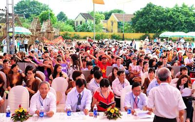 Rất đông lãnh đạo các trường, các nhà quản lý về du lịch tham dự ngày hội. Ảnh: MINH HẢI