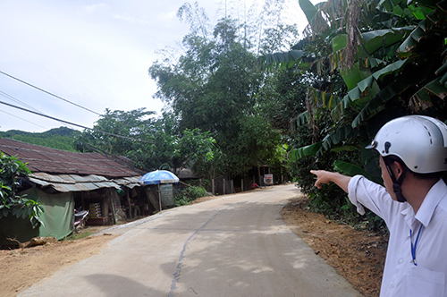 Nhà và quán của bà Nguyễn Thị Màu xây cất trên diện tích đất đang xảy ra tranh chấp với ông Lê Văn Bảo.