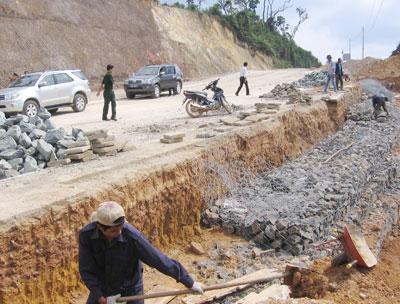 Cải thiện hạ tầng, tạo mặt bằng sạch, hỗ trợ tối đa cho nhà đầu tư... là những ưu đãi đặc thù của Quảng Nam.                             Ảnh: T.DŨNG