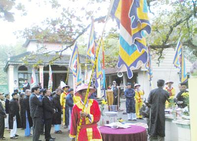 Hằng năm, nhân dân làng Nghi Sơn đều tổ chức lễ cúng ghi ơn công đức tiền nhân.Ảnh: HẢI HÀN