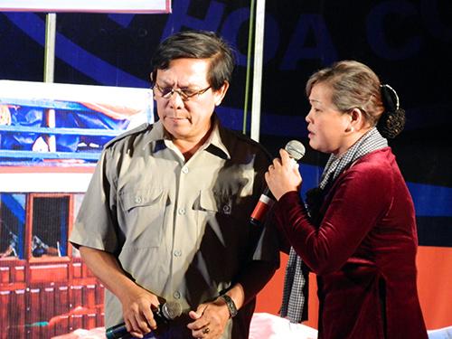 Hai tuyên truyền viên Lý Như Sanh và Tăng Thị Kim Anh (Núi Thành) đều đoạt Huy chương Vàng cá nhân tại hội thi.Ảnh: LÊ QUÂN