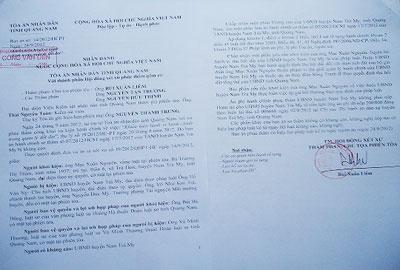 Các bản án hành chính phúc thẩm của TAND tỉnh buộc UBND huyện Nam Trà My ban hành quyết định thu hồi đất đối với 7 hộ dân. Ảnh: L.N